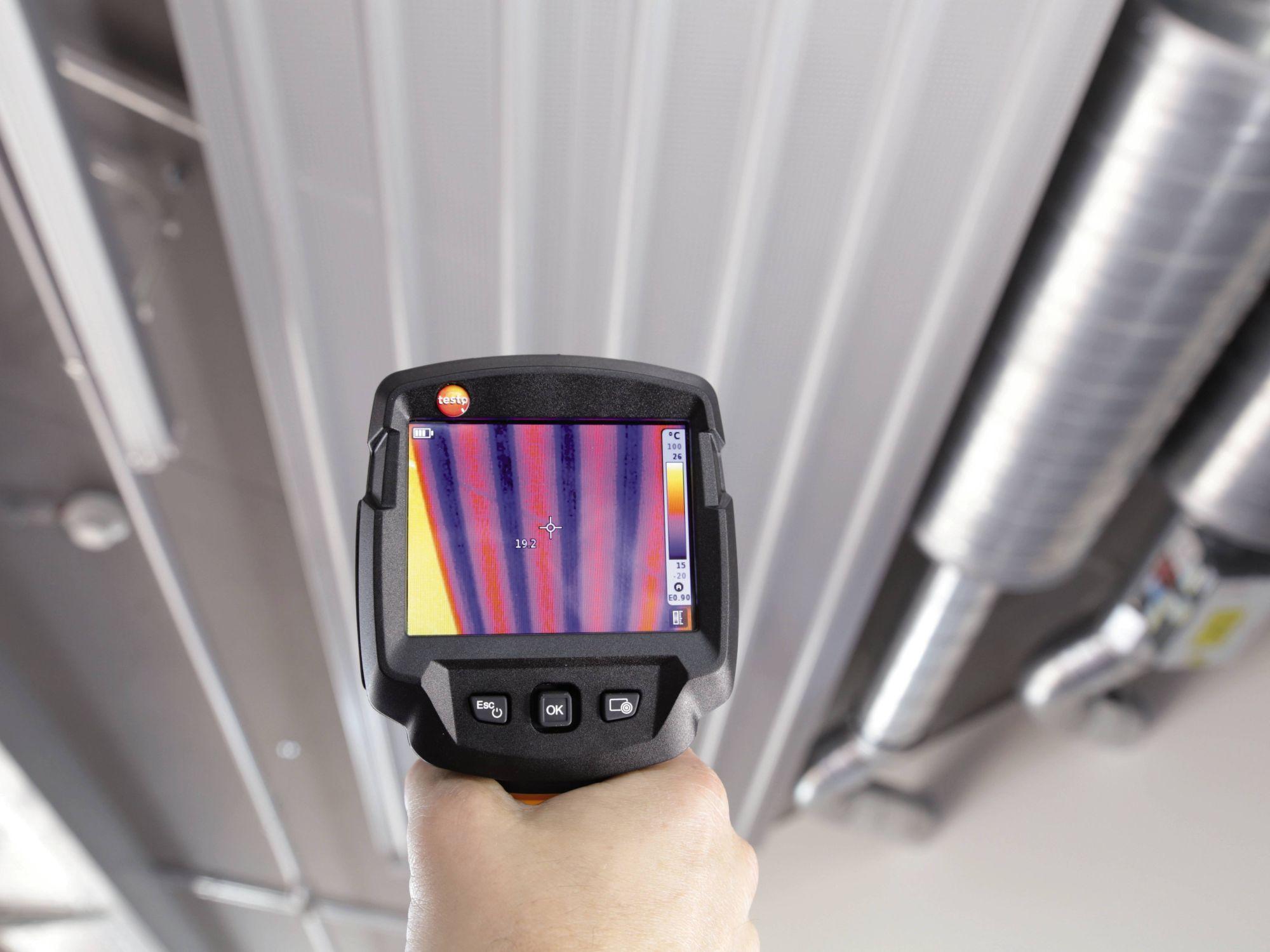 Kühldeckenprüfung mit Hilfe von Testo Wärmebildkameras