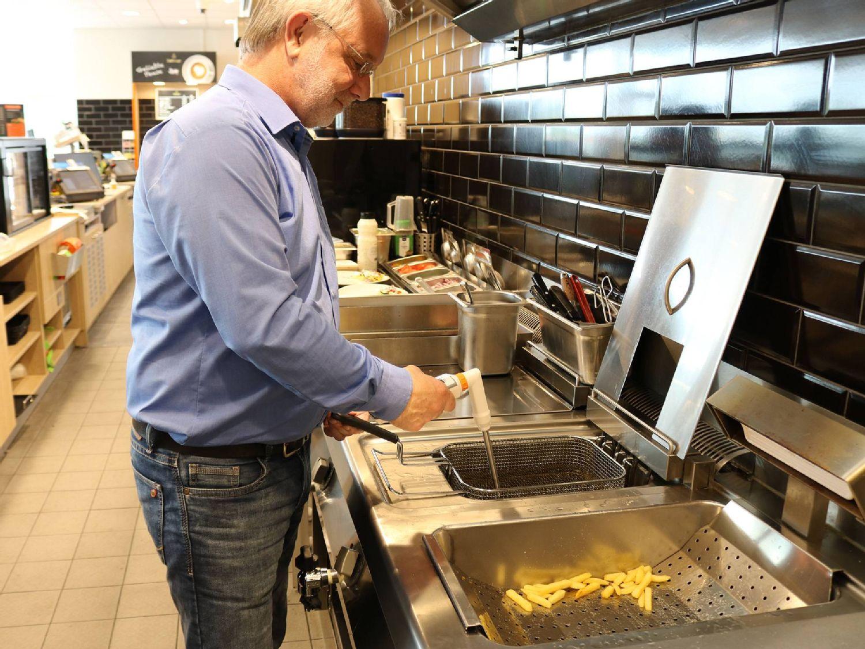 Cooking oil measurement