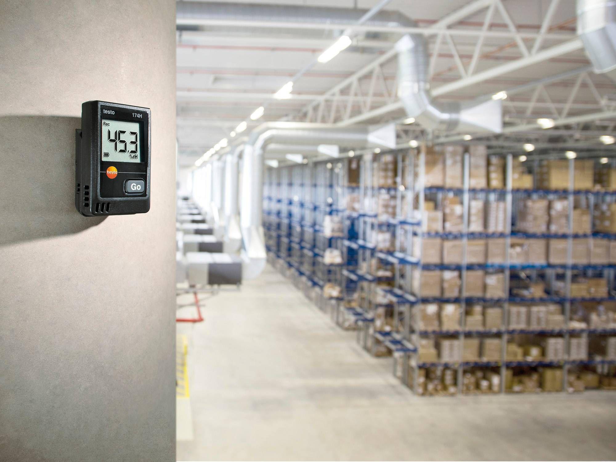 testo 174 H微型数据记录仪监测装有药品的储藏室的温度和湿度