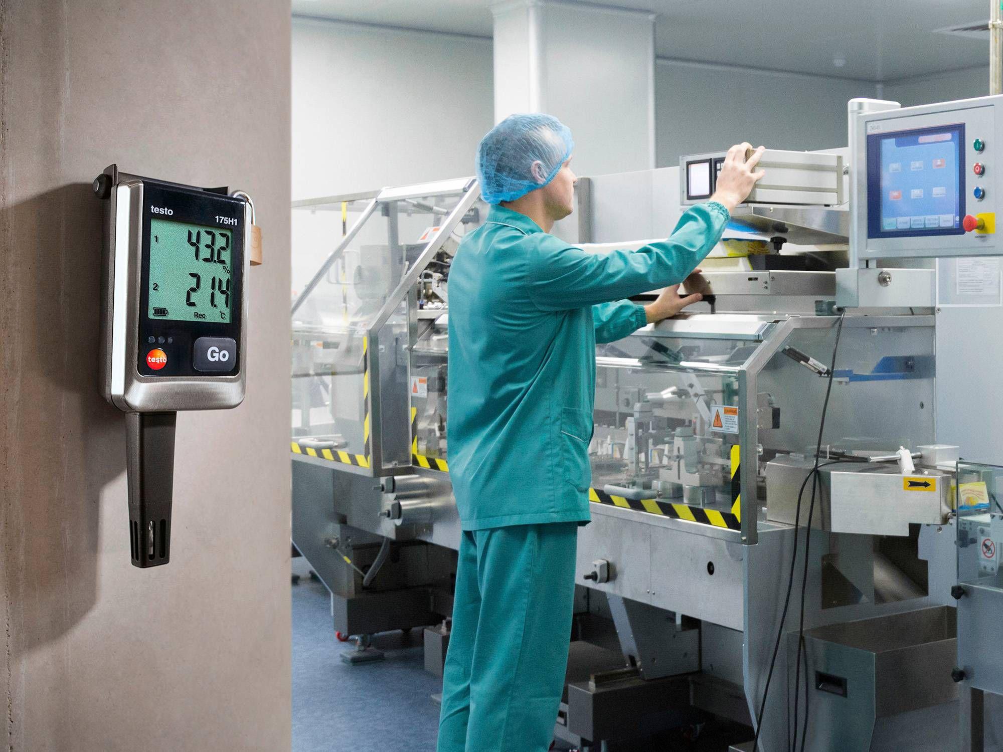 testo 175 H1数据记录仪可用于监测制药企业原料仓库的湿度。