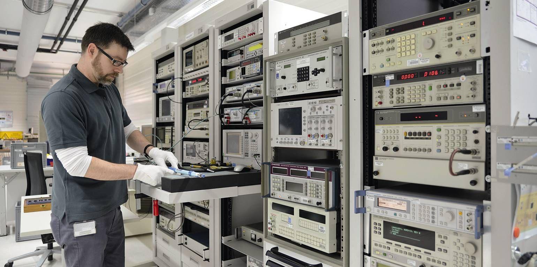 Kalibrierung elektrischer Messmittel mit Kalibriertraining