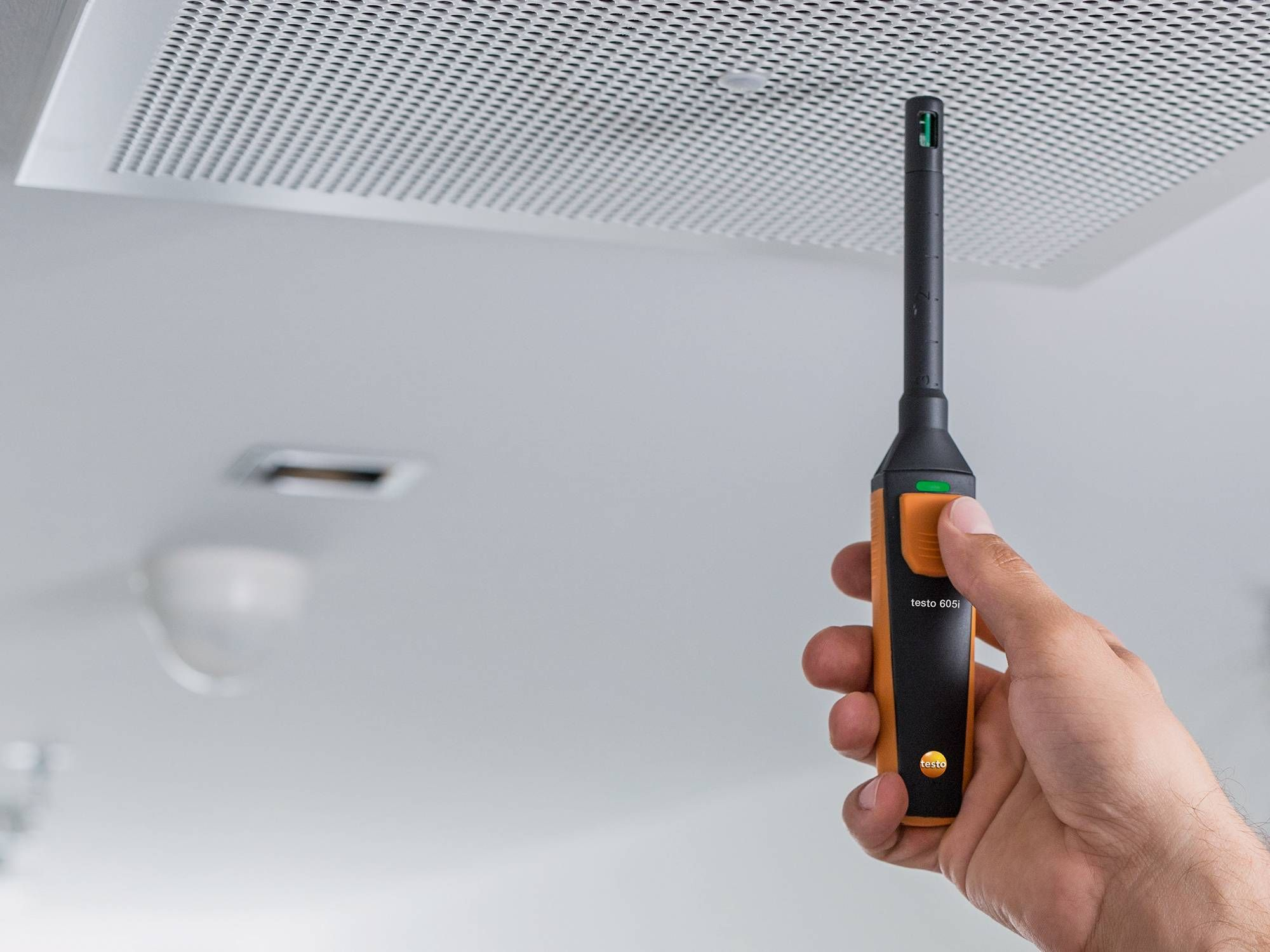 Humidity measurement in facility management