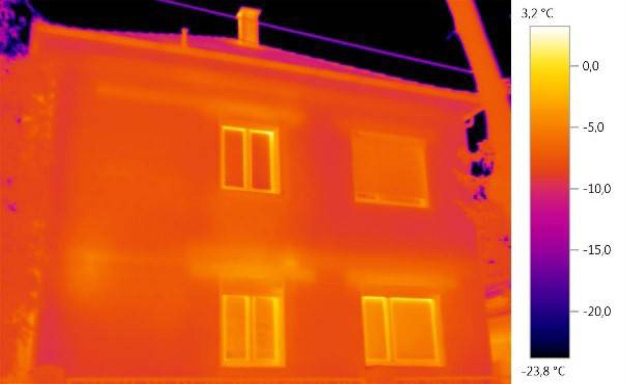 温标范围设置偏低: 外墙看上去需要修复。