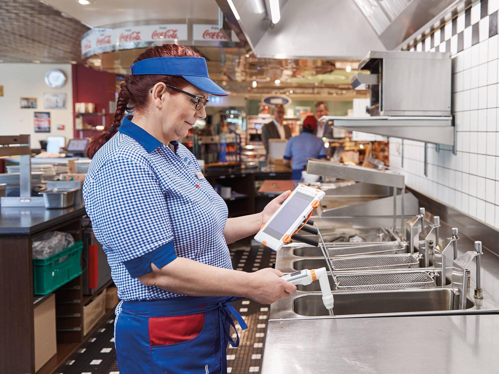 Restaurant cooking oil measurement