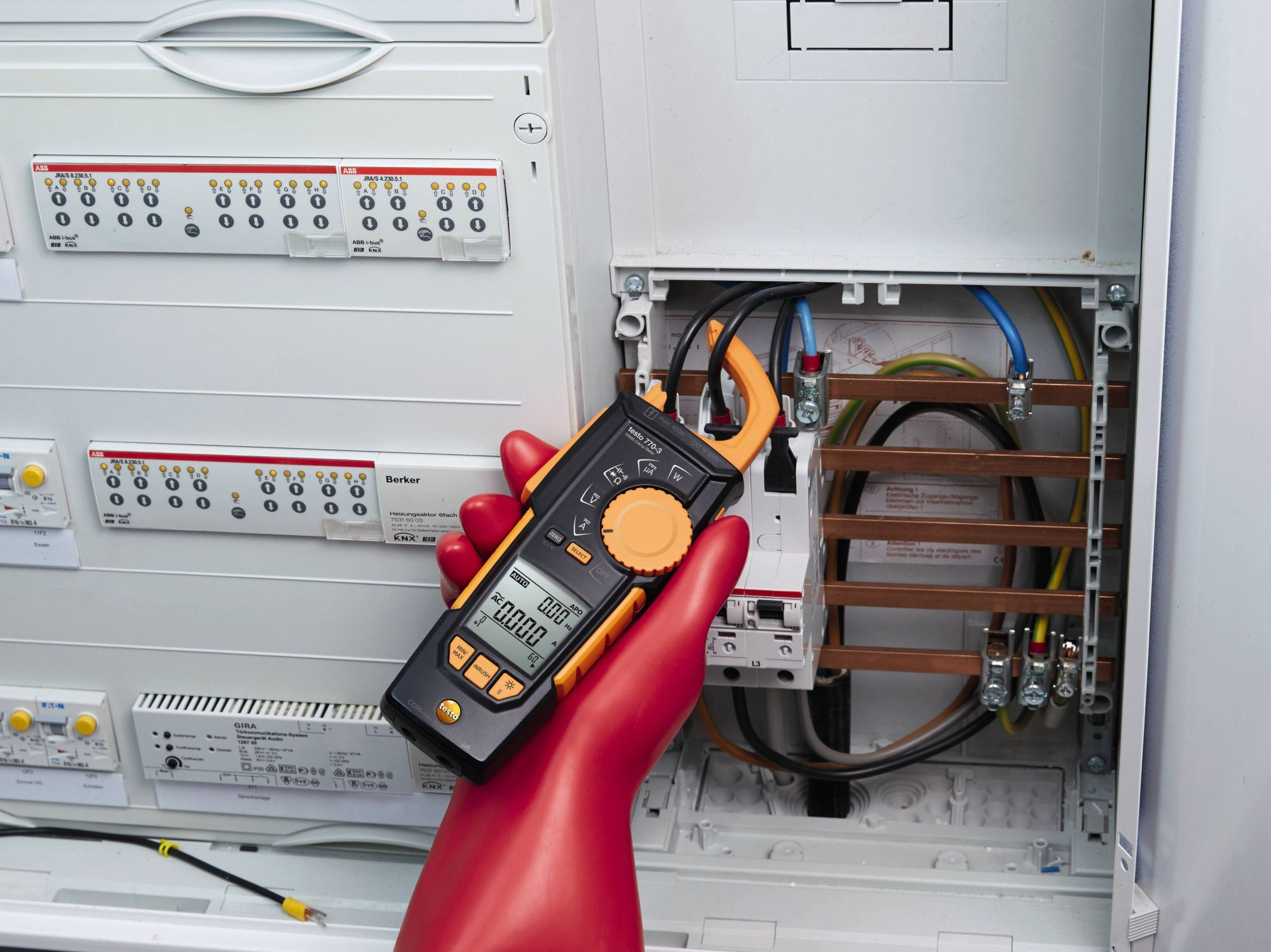 Clamp meter for direct current measurement