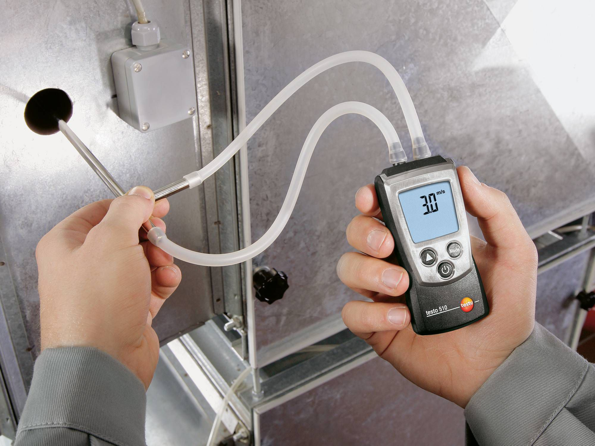 testo 510: Measurement in ventilation ducts