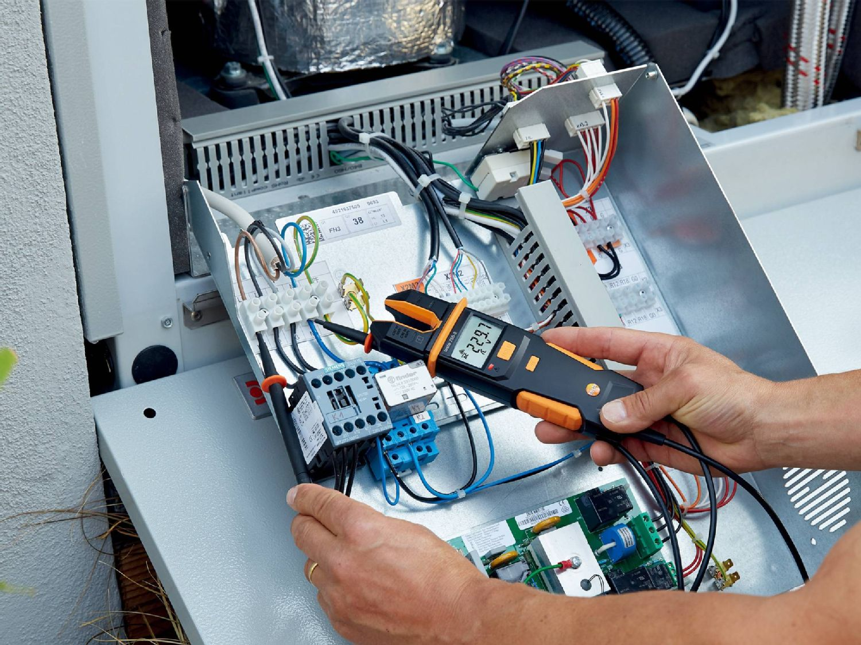 用电流测试仪测试电气装置