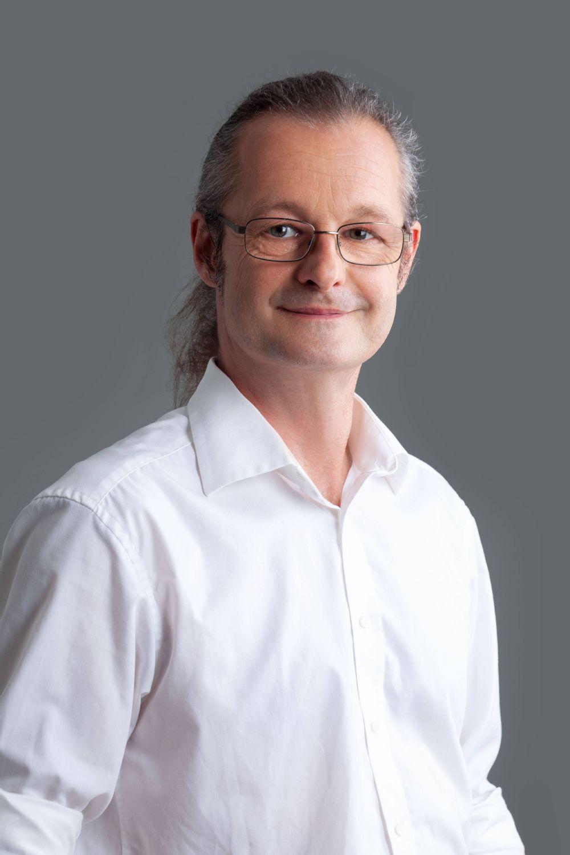 Christian Weiss