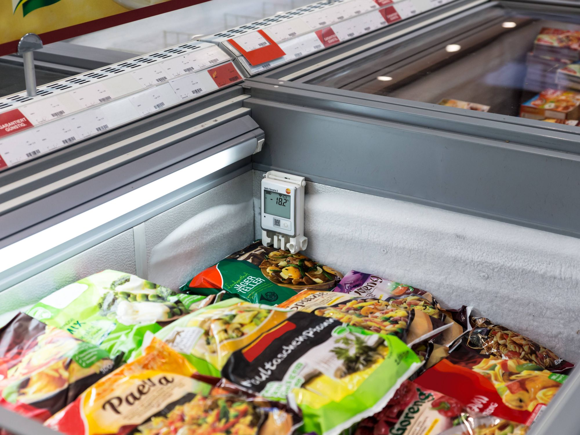 Monitoring temperature in a supermarket - Advantages